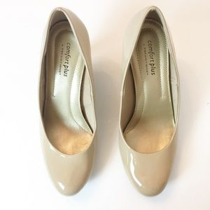 Comfort Plus patent leather Beige size 7 W shoes